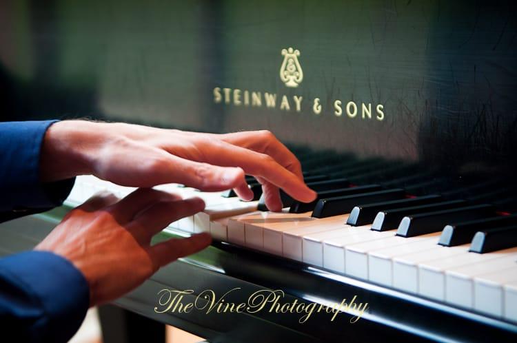 piano sensei hands playing piano